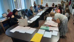 В Запорожье на избирательном участке испортили более 500 бюллетеней