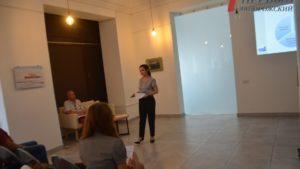 В Запорожье провели мастер-класс для представителей малого и среднего бизнеса о том, как корректно размещать вывески