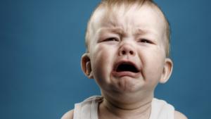 У Запоріжжі п'яний чоловік бив однорічного сина - ФОТО