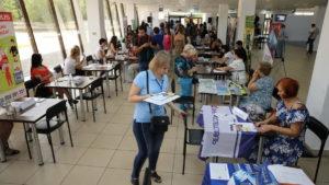 У Запоріжжі відкрили літній ярмарок вакансій для внутрішньо переміщених осіб і учасників АТО