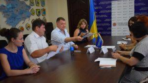У Запоріжжі чиновники з соцзахисту і юстиції підписали меморандум щодо співпраці з виплат зарплати