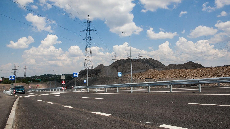 В Запорожье построили новую дорогу в Заводском районе за 200 миллионов гривен - ФОТО