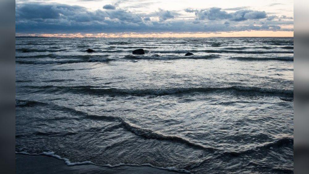 На курорті Запорізької області знайшли в морі труп