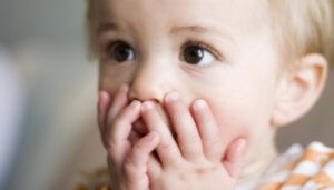 У Запоріжжі батьки залишили своїх дітей безхатченку: він наглядав за ними кілька днів, - ФОТО