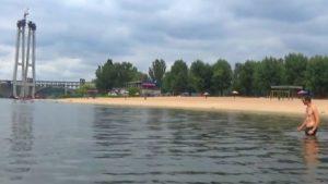 Блогер з Мелітополя самотужки переплив Дніпро, - ВІДЕО