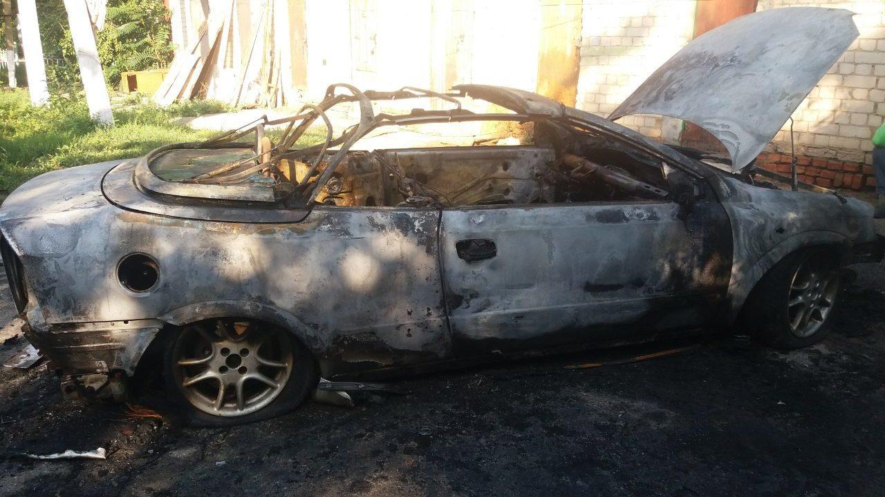 В Запорожской области загорелся автомобиль Opel Astra - ФОТО