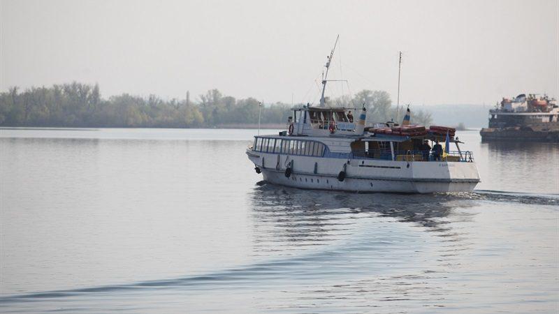 Завтра жителів Запоріжжя почнуть возити з правого берега на лівий по Дніпру: опублікували графік катерів