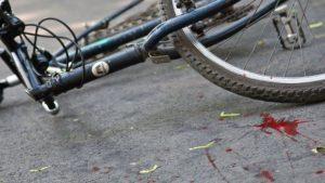 У Запоріжжі водій збив велосипедистку і втік з місця аварії