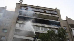 В Запорожье 19 спасателей тушили пожар в четырнадцатиэтажном доме, - ФОТО