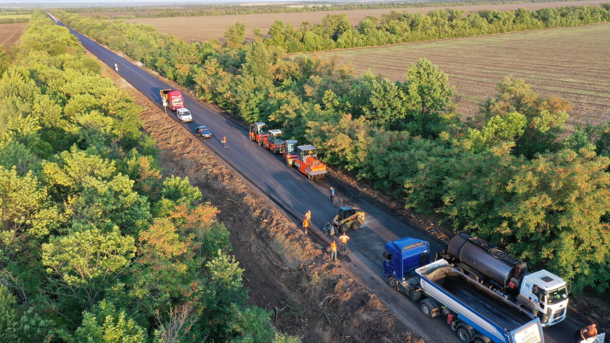 Премьер-министр Украины анонсировал открытие автомобильной дороги между Запорожьем и Мариуполем