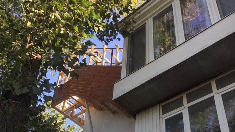 В Бердянске местный житель построил