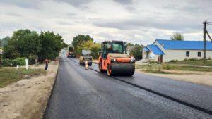 В Запорожской области заканчивают ремонт трассы на Мариуполь: что уже сделали, – ФОТО