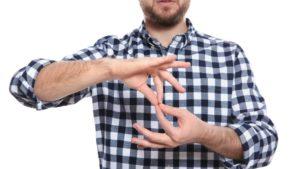 23 сентября в Запорожье и во всем мире отмечают День жестовых языков