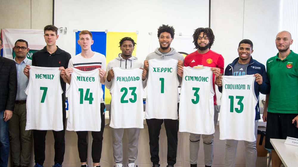 В баскетбольном клубе «Запорожье» представили новых игроков и рассказали о старте сезона, – ФОТО