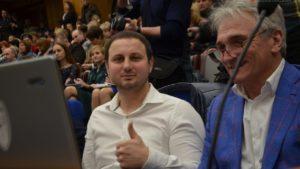«Я пішов. Хто зі мною?»: запорізький депутат Гатунок склав повноваження