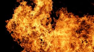 У центрі Запоріжжя пожежники врятували з вогню чоловіка
