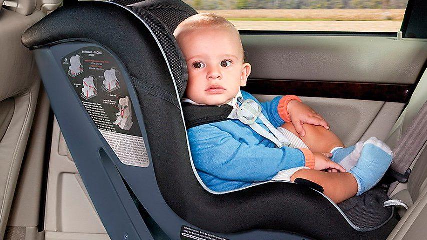 В Украине вводят штраф за перевозку детей не в автокресле
