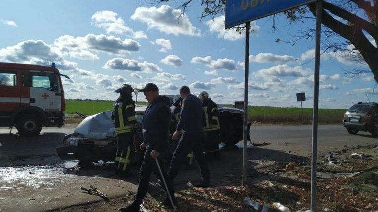 На трассе между Луганской и Донецкой областями в ДТП погибли запорожцы, — ФОТО