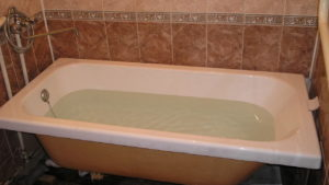 В Запорізькій області жінка на добу стала заручницею ванної кімнати