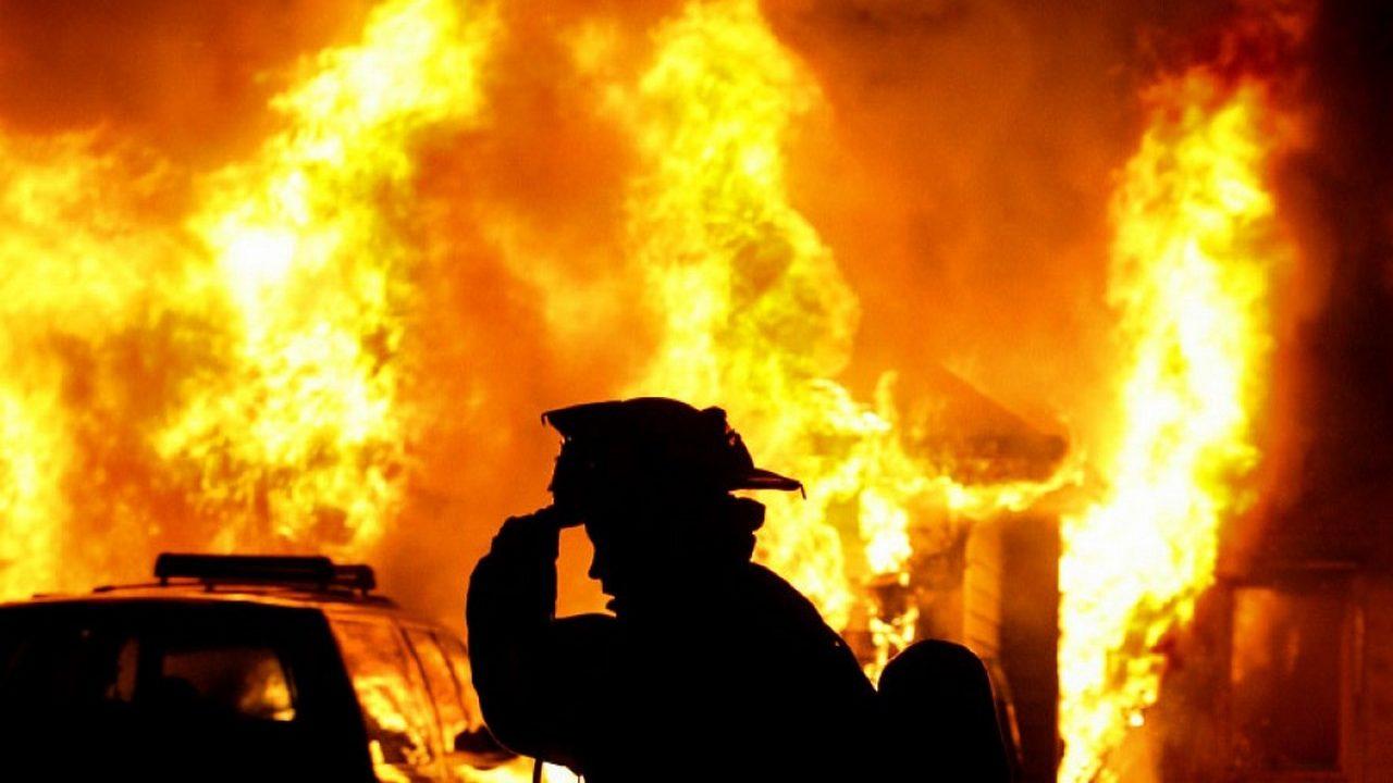 В Запорізькій області рятувальники три години гасили пожежу в дачному кооперативі