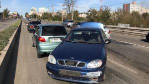 В центральній частині Запоріжжя сталося ДТП за участі трьох машин, — ФОТО
