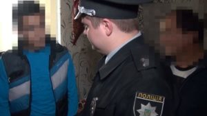 Запорізькі поліцейські виявили шістьох нелегальних мігрантів, — ВІДЕО