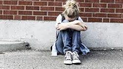 У Запоріжжі школярку, що била ровесницю ногами, можуть посадити за хуліганство