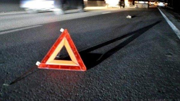 В Запорожье на пешеходном переходе машина сбила девушку с коляской, — ВИДЕО