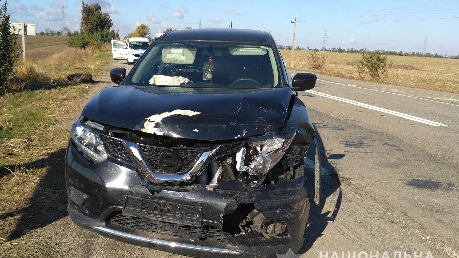У Запорізькій області сталося ДТП на трасі: розбилися дві машини, водії – у лікарні, – ФОТО