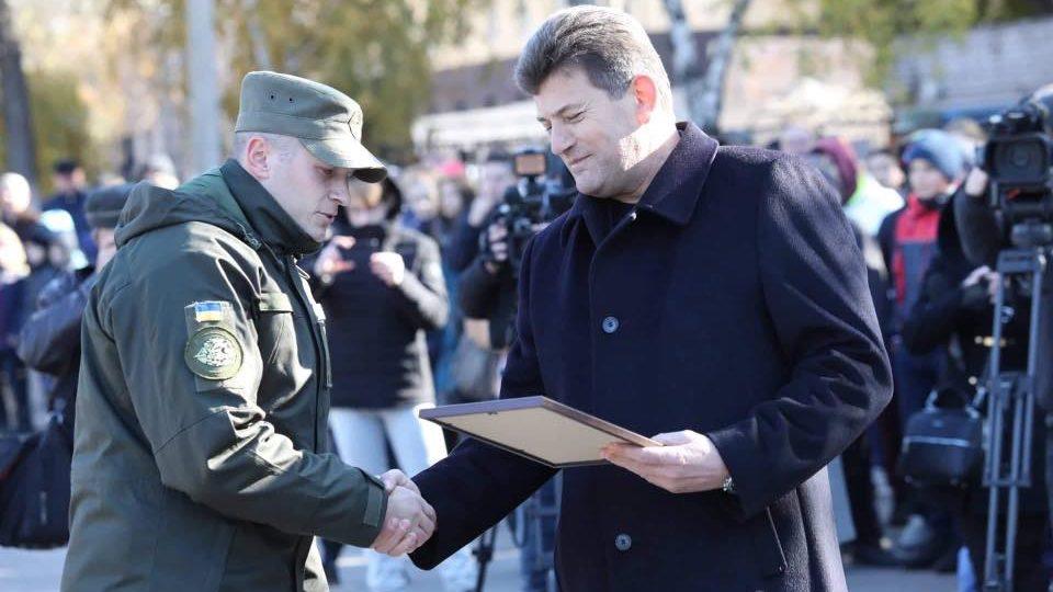 Запорожской воинской части ко дню основания подарили квартиру