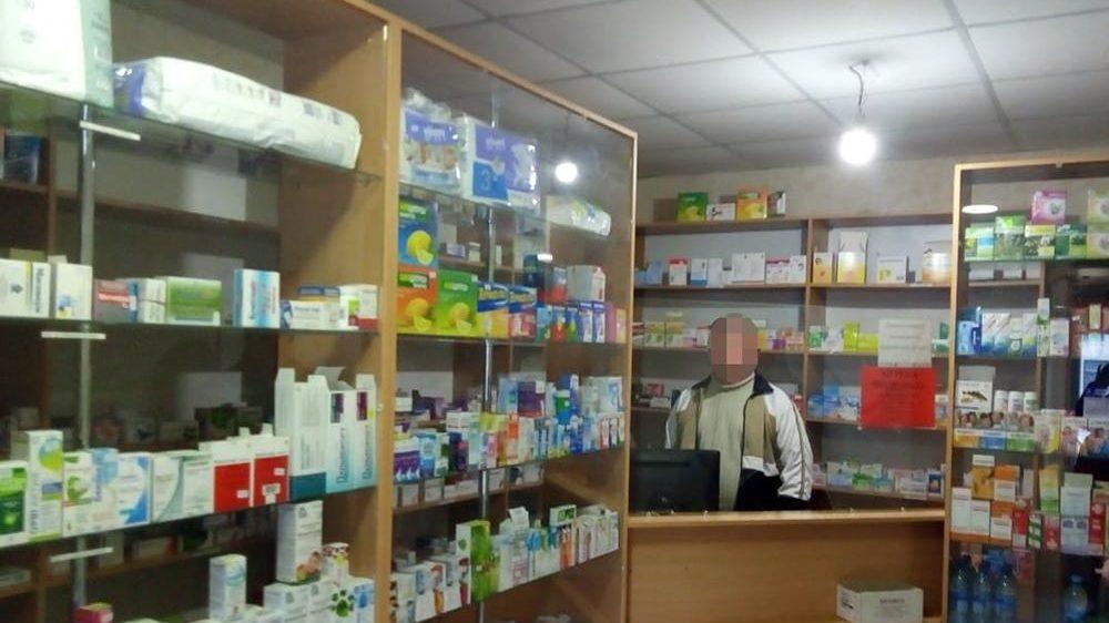 В Запорізькій області провізор відпускав кодеїновмісні препарати без рецепту