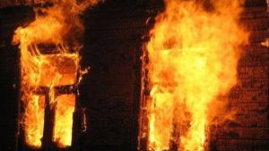 В Запорожской области по неизвестным причинам в доме произошел пожар: погиб человек