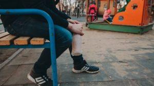 В Запорізькій області оштрафували двох громадян РФ, які пиячили на вулиці