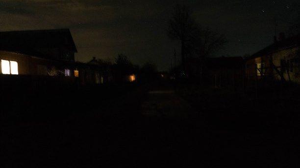 Шукачі металу залишили мікрорайон в Оріхові без світла