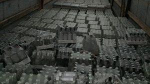 В Запорізькій області правоохоронці вилучили майже тисячу літрів контрафактного алкоголю