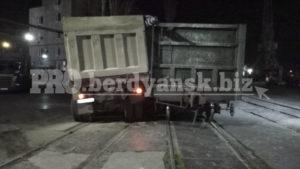 В Запорізькій області зіткнулися потяг та зерновоз, — ФОТО