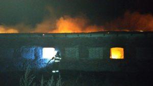 В Запорізькій області палав  занедбаний будинок