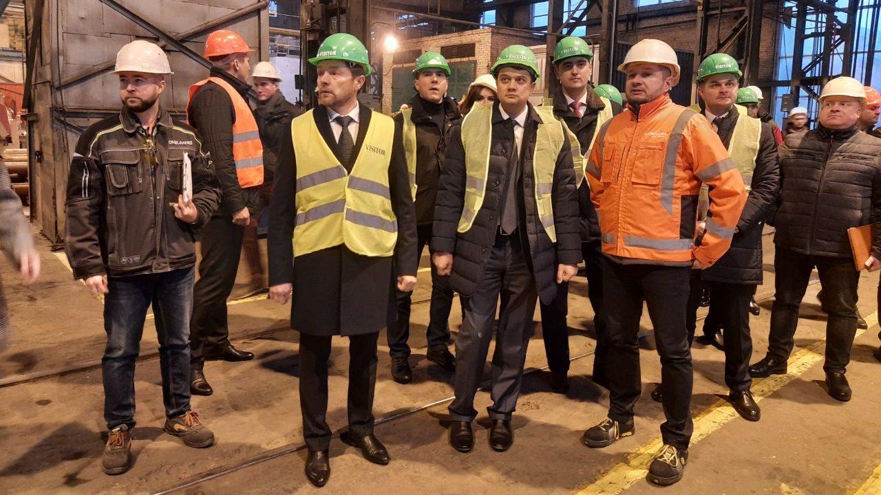 Спикер Верховной Рады Дмитрий Разумков в Запорожье посетил завод