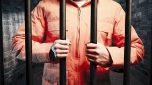 В Запорожье суд дал 5 лет грабителю, разыгравшему