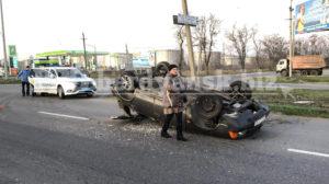 У Запорізькій області «Москвич» перекинувся в ДТП, – ФОТО, ВІДЕО