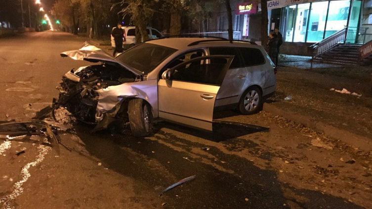 У Запоріжжі вночі сталася ДТП: водій