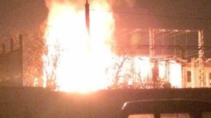 У Запоріжжі загорівся трансформатор: люди чули вибухи