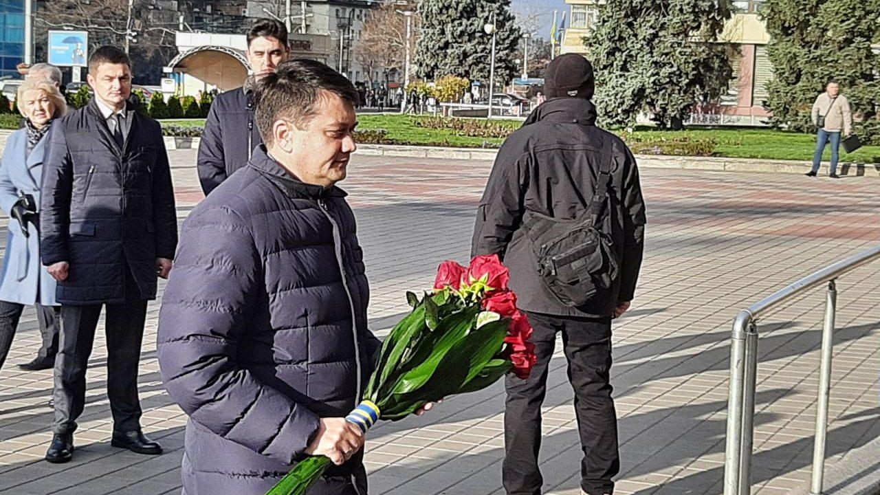 Председатель Верховной Рады в Запорожье возложил цветы в память Героев революции, — ФОТО