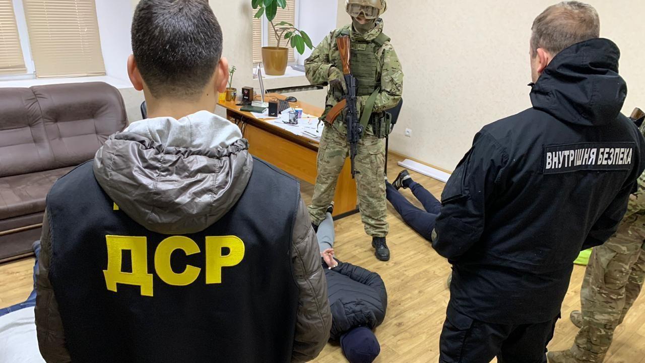 У Запоріжжі затримали небезпечне злочинне угрупування, — ФОТО, ВІДЕО