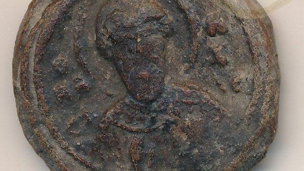 Археологи  при раскопках обнаружили печать князя Владимира Мономаха
