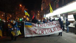 В Запорожье несколько сотен людей провели шествие ко Дню Революции Достоинства, – ФОТОРЕПОРТАЖ