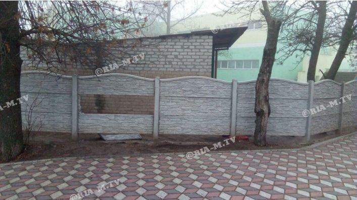 В Запорізькій області вандали розтрощили паркан навколо дитсадка, — ФОТО
