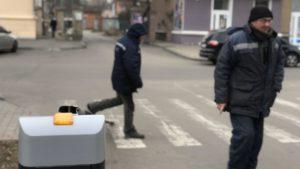 В Запорізькій області водій збив шлагбаум біля міської ради, — ФОТО