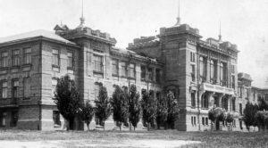 «Здание, которое могло стать архитектурной изюминкой города»: запорожский краевед показал фото из прошлого