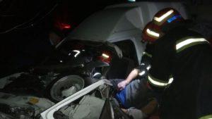В Вольнянском районе произошло ДТП: водителя доставали из машины спасатели, — ФОТО